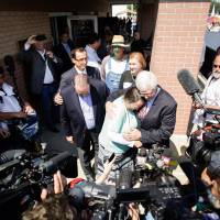Darling of religious right, Republicans, Kentucky clerk who fought gay nuptials exits jail