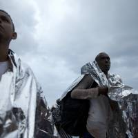 Refugees swarm Greece's Lesbos island ahead of fall weather