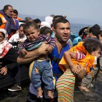 Obama wants to admit 10,000 more Syrian refugees in budget year from Oct. 1