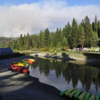 Kings Canyon wildfire near giant Sequoia jumps containment line, threatens homes