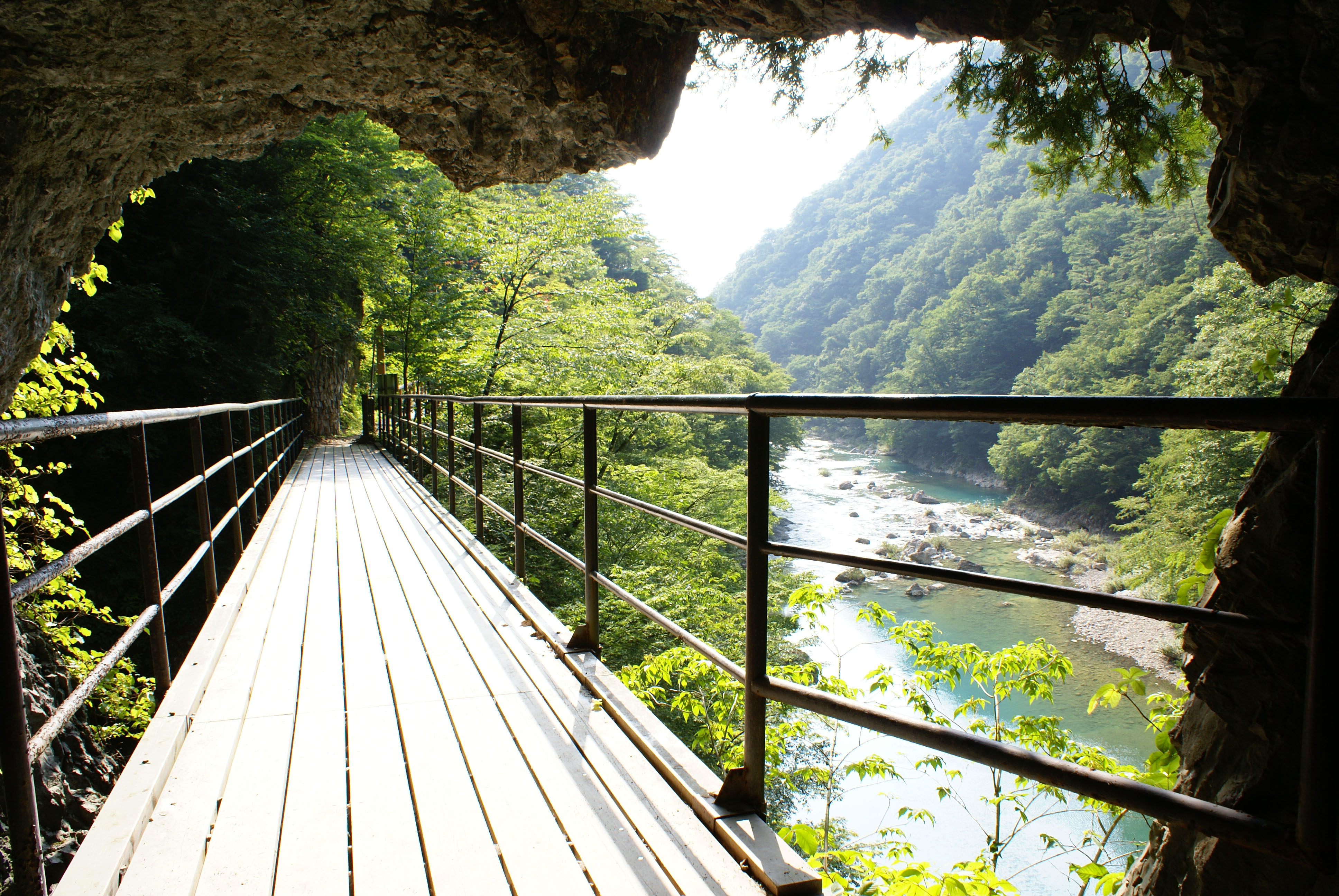 A view of Dakigaeri Gorge, in Kakunodate, seen from the edge of a hiking trail's tunnel. | MANDY BARTOK