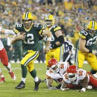 Rodgers, Pack pound Chiefs