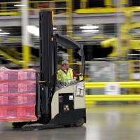 Amazon to hire 100,000 for holidays as consumer retail habits shift