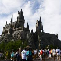 Visitors hit record at USJ, fall at Tokyo Disney Resort