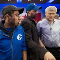 Canadian contenders battle in final days of election campaign