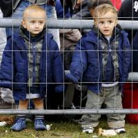 Migrant flow unabated as European leaders head to Brussels for crisis summit