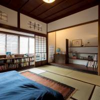 A bedroom in a townhouse in Teramachi, Kanazawa, after renovation | COURTESY OF HAYASHI ARCHITECTURAL DESIGN STUDIO AND OKUMURA DESIGN