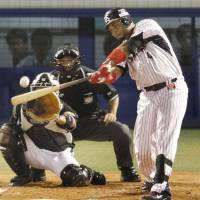 Yakult slugger Wladimir Balentien is hoping to get back into the groove after missing most of the regular season through injury.   KYODO