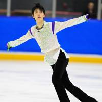 Yuzuru Hanyu looked healthy and confident with his new programs in his victory at the Autumn Classic International in Barrie, Ontario, last week. | FACEBOOK / SKATE CANADA