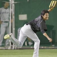 Right-hander Shintaro Fujinami, a 14-game winner for the Hanshin Tigers during the regular season, is the likely starter in Game 1 of the Central League Climax Series first stage against the Yomiuri Giants on Saturday at Tokyo Dome. | KYODO