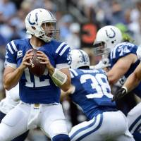 Colts confident Luck will be on field Sunday