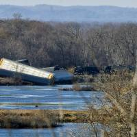 For second day, Wisconsin sees train derail, spill fuel