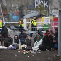 Swedish cops clear Gypsy camp deemed squalid; denizens offered flights to Romania