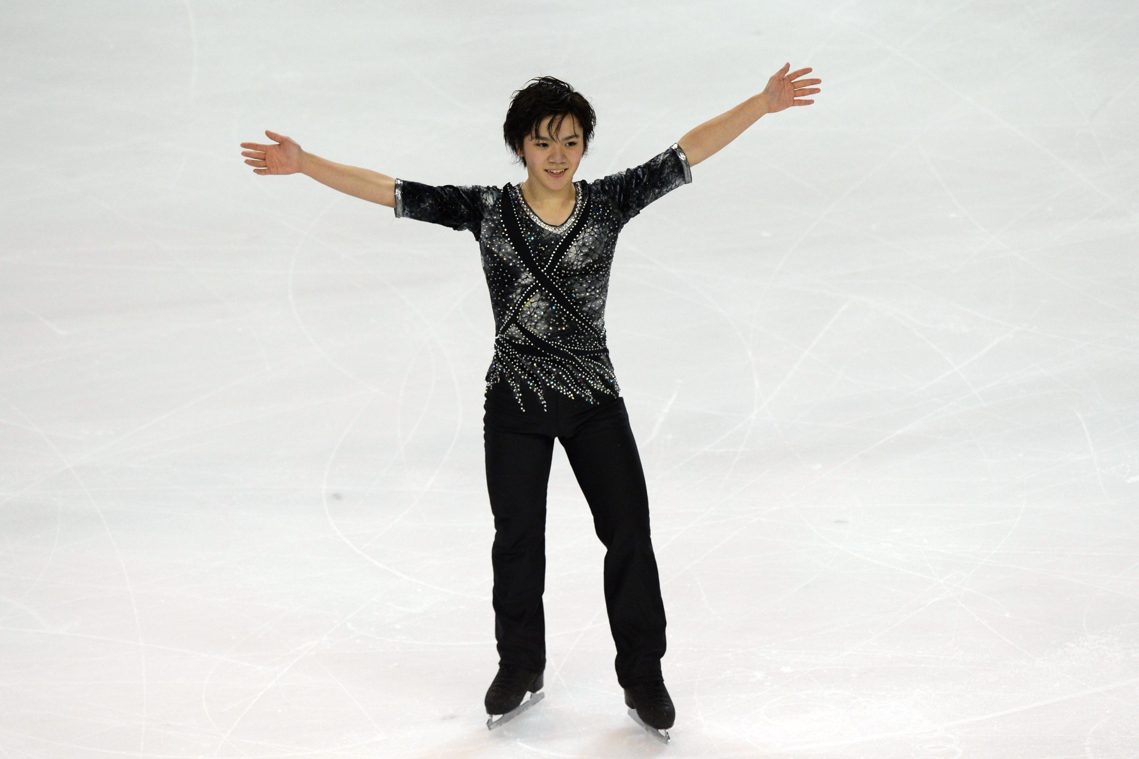 Shoma Uno led after the short program at the Trophee Bompard in Bordeaux, France, on Friday before the event was canceled on Saturday following the Paris terror attacks. | AFP-JIJI