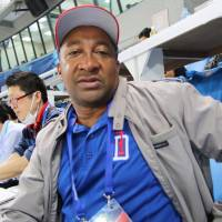 Dominican journalist Pedro Briceno is his nation's lone press representative at the ongoing Premier 12 tournament in Taiwan. | KAZ NAGATSUKA