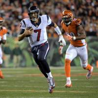 Texans slog past Bengals