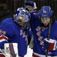 Rangers claim ninth straight victory