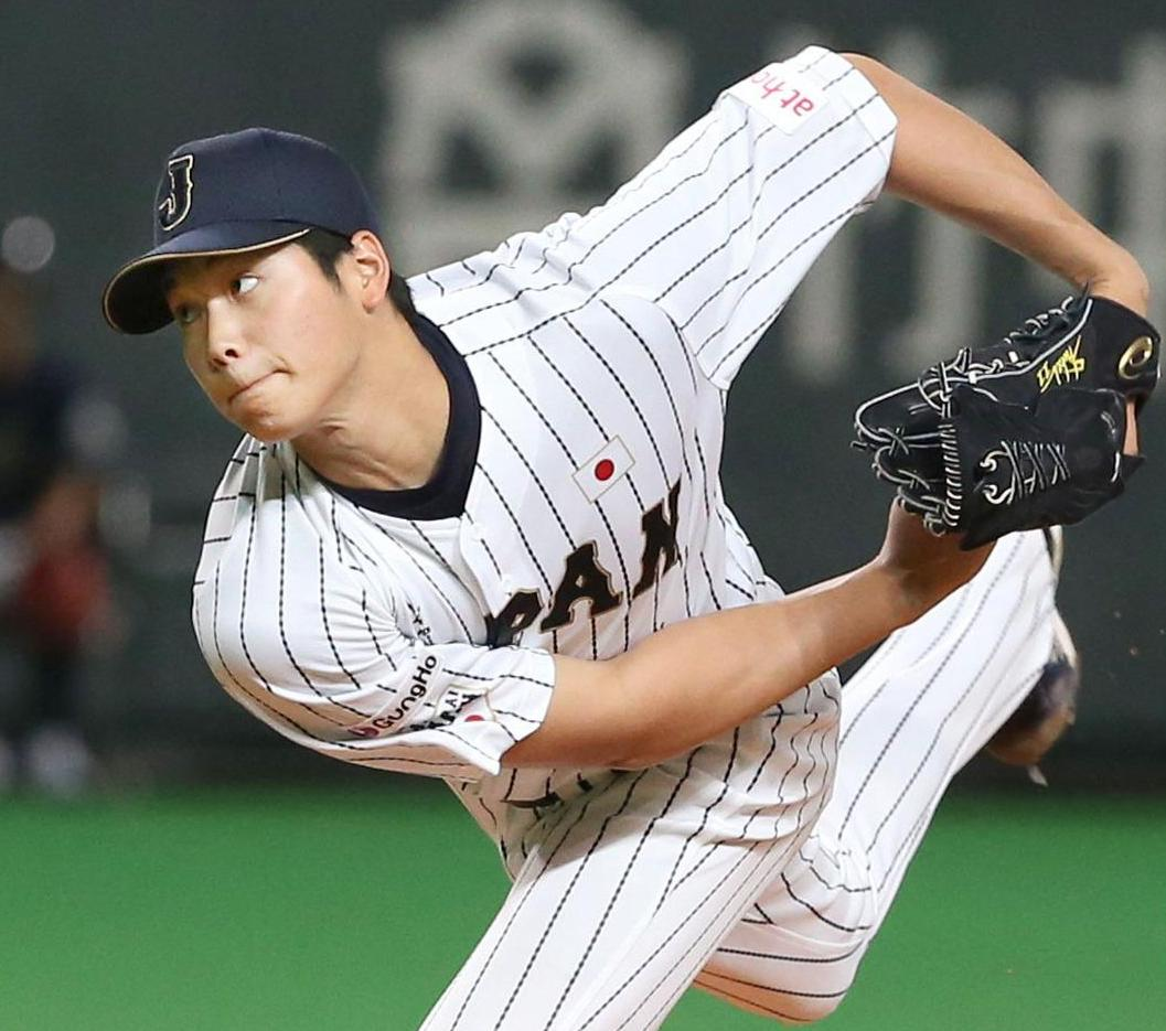 Shohei Otani lived up to expectations as Japan's starting pitcher in Sunday's 5-0 win over South Korea at the Premier 12 at Sapporo Dome. | KYODO