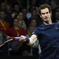 Murray lifts Brits in final