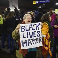 Black Lives Matter stages Minnesota, California 'Black Xmas' protests in bid to disrupt key shopping day