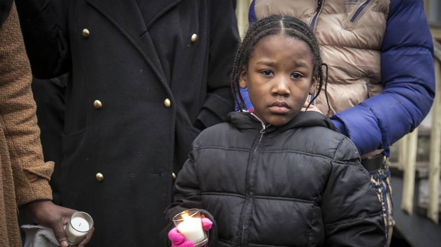 Kin call on police, mayor to answer for fatal shootings of two black Chicagoans