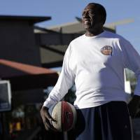 Famed Globetrotters 'clown prince' Meadowlark Lemon dies at 83