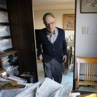 Famed Japan scholar Donald Keene, 93, reflects on golden era as he pens works from Tokyo home