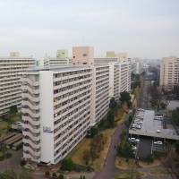 The average age of the 30,000 residents in the Takashimadaira apartment complex in Itabashi Ward was only 25.5 when the facility opened in Tokyo in 1973. Its population has since halved, and half of the remaining residents are 65 or older, with only 670 children. | REIJI YOSHIDA