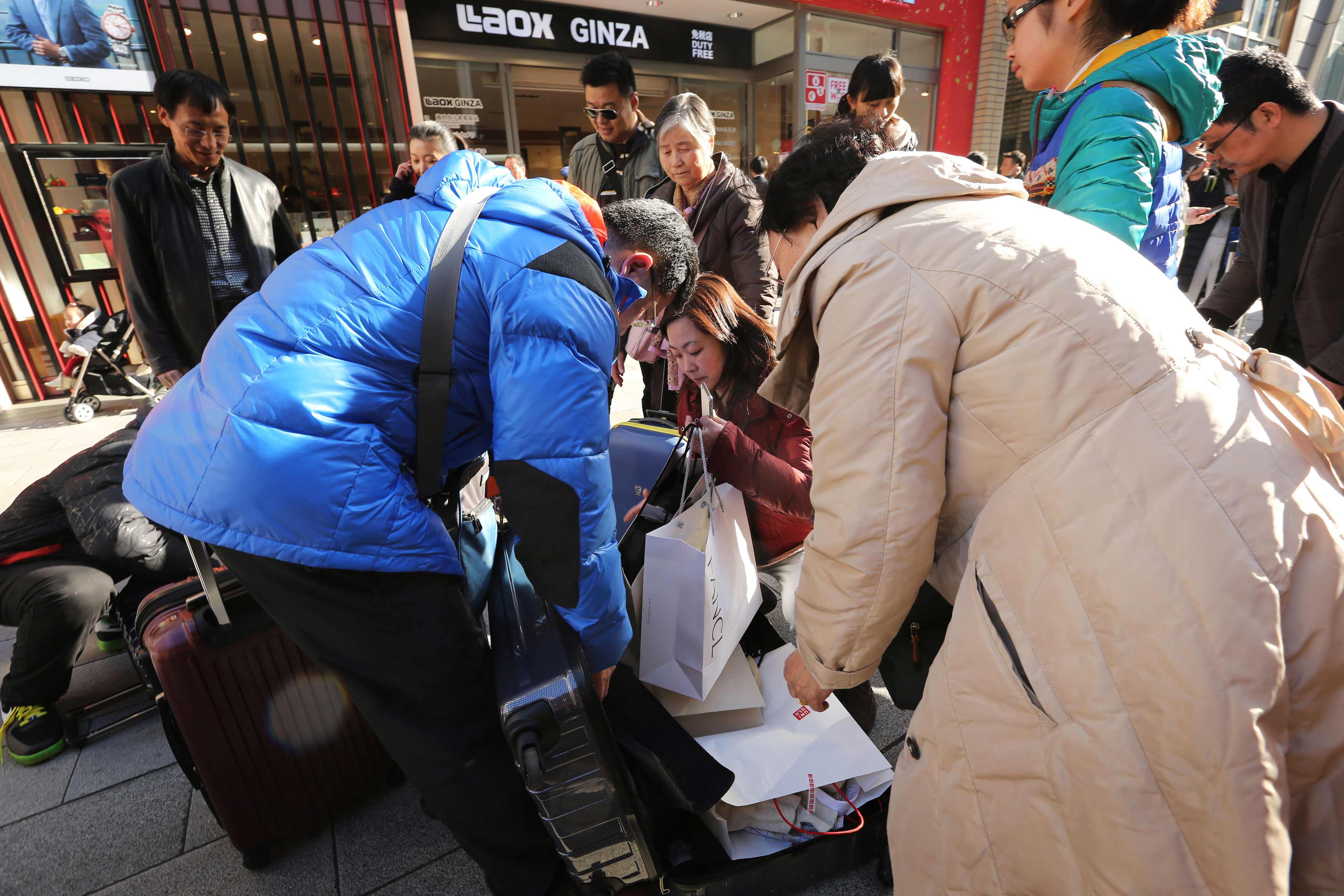 no tolerance at the inns for china s shoppers