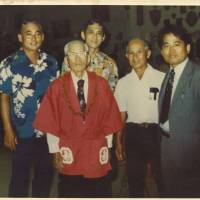Tracing ties: The author's issei great-great-grandfather (second left), pictured with his nisei  son (center) and relatives in Hawaii. | COURTESY OF MUTSUKO IKEMA