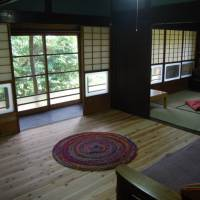 The interior of a farmhouse in the mountains of Shiga Prefecture that Chie Davies advertises on Airbnb. | CHIE DAVIES