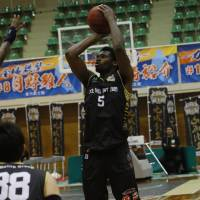 Samuraiz veteran forward Gyno Pomare has been one of the key leaders for the expansion team. KANAZAWA SAMURAIZ/BJ-LEAGUE