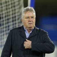 Hiddink returns to Chelsea for remainder of season