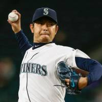 Pitcher Hisashi Iwakuma agreed to a deal with the Los Angeles Dodgers on Sunday. | KYODO