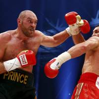 Fury, DeGale shine in victory; Miura impresses in loss