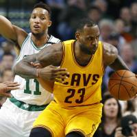 LeBron powers Cavaliers in routine victory