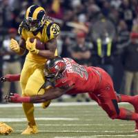 Rams down Buccaneers in possible St. Louis finale