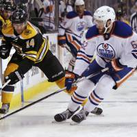 Oilers continue tear with defeat of Bruins
