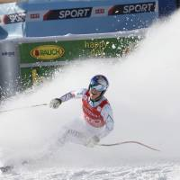 Vonn reigns again at Lake Louise