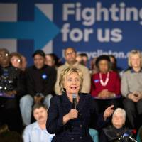 Clinton turns her attention to Sanders as rival closes in Iowa polls, looks to trip her up