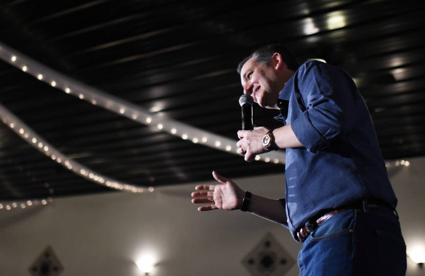 Ted Cruz goes hunting with 'Duck Dynasty' star he once defended over racist, sexist slurs, bags his nod