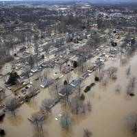 Illinois-Missouri death toll in historic floods at 20; four missing