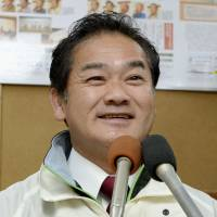 Ginowan mayoral victory gives Abe much-needed ammunition in Futenma battle