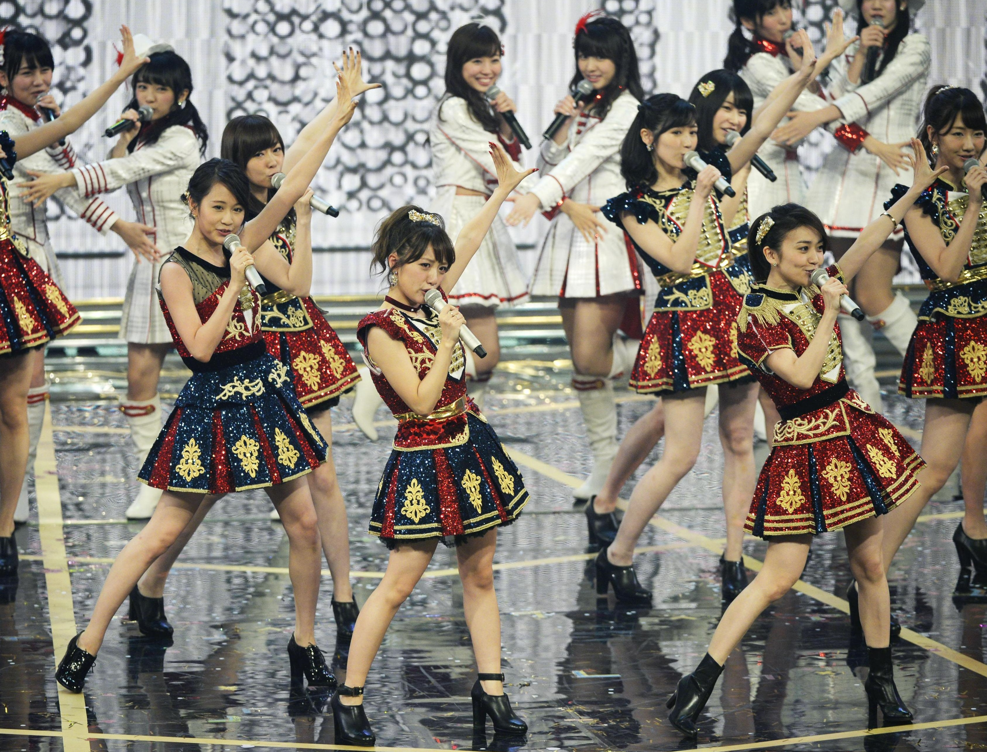 Idol group AKB48 performs during NHK's annual 'Kohaku' music competition on Thursday. Viewership during the end-of-the-year TV show plummeted to an all-time low of 39.2 percent. | KYODO