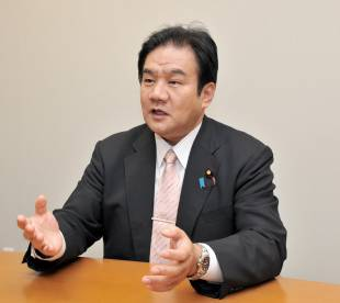 Yoichi Kaneko says accepting more immigrants could bring about a large financial and social burden on Japan.