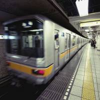 A train departing Ginza Station. An old hit song, 'Ginzano Koino Monogatari' (A love story in Ginza) will now be the departing melody at Ginza Station on the Hibiya Line. | ISTOCK