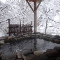 Rankeiso inn's private outdoor bath offers a perfect view of the wintry landscape. | MANDY BARTOK