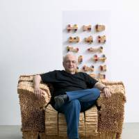 Material explorations: Frank Gehry sits in his cardboard Grandpa Beaver Chair. | BONNIER CORPORATION VIA GETTY IMAGES