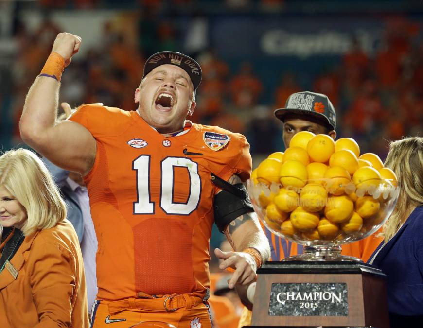 No. 1 Clemson rolls into title game
