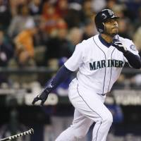 Griffey Jr., Piazza honored with Hall of Fame election